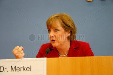 Dr. Merkel bei der presentation der CDU Wahprogramm