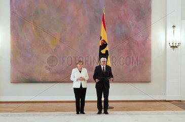 Berlin  Deutschland - Ernennung der Bundeskanzlerin Dr. Angela Merkel durch den Bundespraesidenten Frank-Walter Steinmeier im Grossen Saal von Schloss Bellevue.