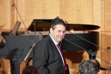 Berlin  Deutschland - Der scheidende Aussenminister Sigmar Gabriel beim Ministerwechsel im Weltsaal des Aussenministeriums.