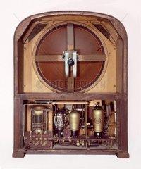 altes Roehrenradio 1931
