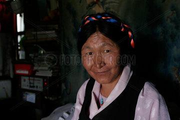 Lhasa  Baeuerin | Lhasa  countrywomen