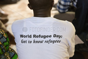 """Kakuma  Kenia - Treffen mit žYouth Leaders"""". Von jungen Bewohnern des Fluechtlingslagers Kakuma gewaehlte Kontakt und Ansprechpartner fuer Fluechtlingsfragen."""