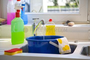 Haushalt: Wasch- und Reinigungsmittel