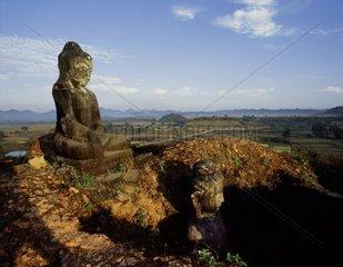 Mynmar  Mrauk-U  Arakan  Shit-thaung Buddhist temple