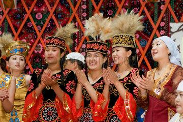 Hochzeit der Tuwa Volksgruppe im Norden von Xinjiang