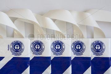 Thema Recycling: Plastiktueten mit dem Blauen Engel