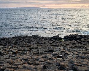 Giant's Causeway am Abend
