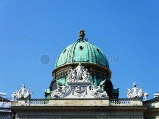 Kuppel am Michaelertrakt der Hofburg im 1. Wiener Bezirk Redaktionell verwendbar  Pressefoto