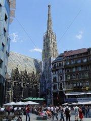 Der Stephansdom am Stephansplatz im 1. Wiener Bezirk redaktionell verwendbar  Pressefoto
