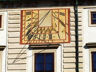 Die Astronimische Uhr an der Fassade der Amalienburg im 1. Wiener Bezirk Pressefoto