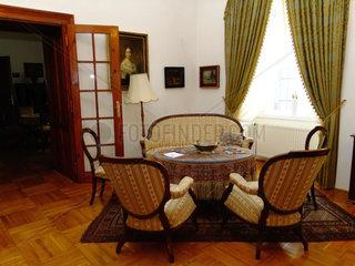 Barocke Sitzgarnitur im Schlosshotel Pronay Ungarn