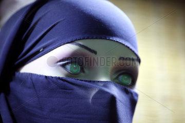 24.03.2017  Dubai  Vereinigte Arabische Emirate  Schaufensterpuppe traegt einen Niqab