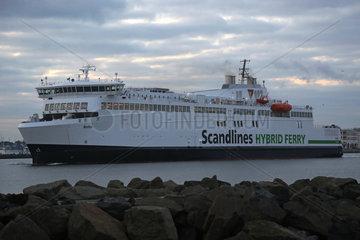 Warnemuende  Scandlines Hybrid Ferry