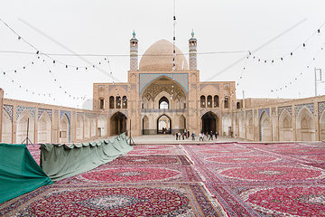 Moschee und Madrasa von Agha Bozorg