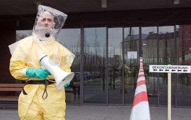 Gefahrenschutzuebung in Berlin