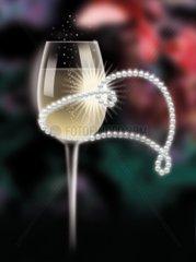 Champagner Glas Perlenkette Luxus Einladung