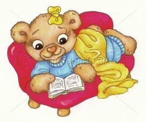 Gluecksbaerchen Serie Baerchenfrau Sofa lesen Buch