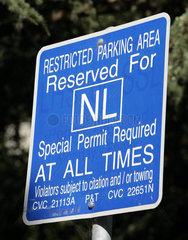 Parkplatz reserviert fuer Nobelpreistraeger