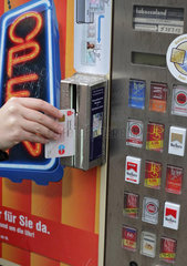 Altersueberpruefung an Zigarettenautomaten