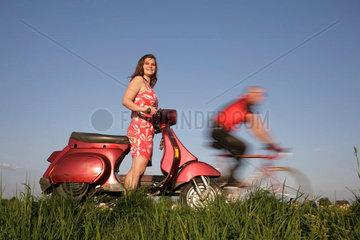 Vespa und Rennrad