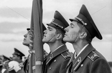 Soldaten in der sowjetischen Garnison Mahlwinkel.
