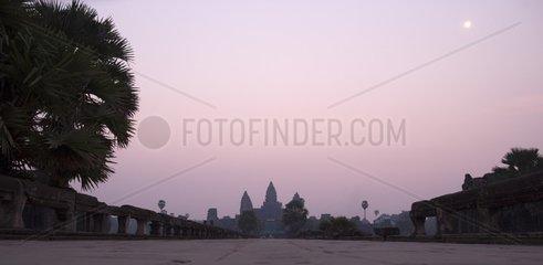 Sonnenaufgang bei der Tempelanlage Angkor Wat