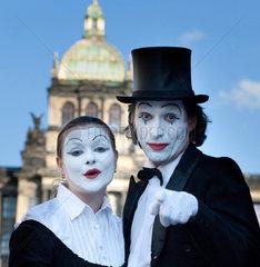 Pantomime auf dem Wenzelsplatz in Prag