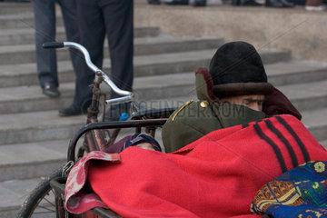 Kashgar  frierender Mann | Kashgar  freezing man