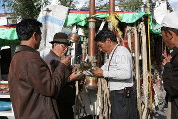 Tibet  Lhasa  Verkaufsstand