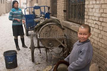 Kuqa (Kuche)  kleiner Junge | Kuqa (Kuche)  little boy