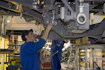 Arbeitnehmer in der Produktion von Schienenfahrzeugen bei Bombardier
