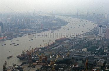 Schiffsverkehr auf dem Huangpu River