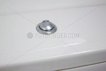 Haushalt: Toilettenspuelung mit Aquastop