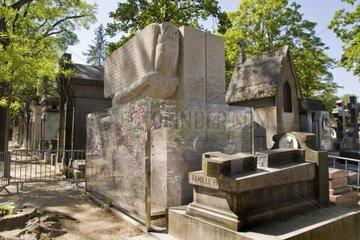 France  Ile de France  Paris  Pere Lachaise cemetery  Oscar Wilde grave