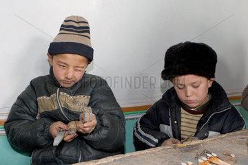 Kashgar  Bau von Musikinstrumenten | Kashgar  fabrication of musicinstruments