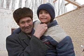 Kuqa (Kuche)  Vater und Sohn | Kuqa (Kuche)  father and son