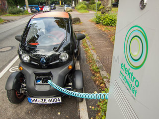 E-Twizy an Ladestation