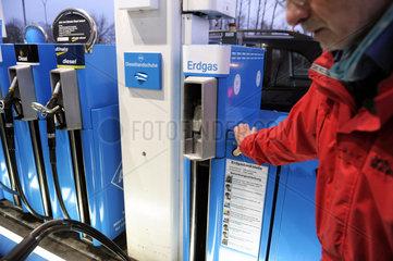 Erdgas-Zapfsaeule