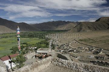Lhasa  Blick vomYumbulagang Palace | Lhasa  view from the Yumbulagang Palace
