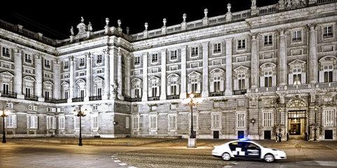 koeniglicher Palast