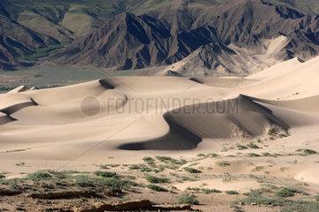 Wuestengebiet nahe dem Kloster Samye | desert near samye monastery
