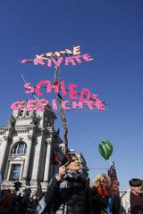 Keine private Schiedsgerichte. Demo gegen TTIP