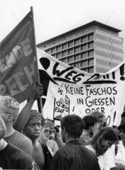 Demonstration gegen die Deutsche Liga