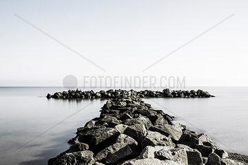 Steinmole an der Ostsee