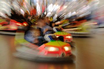 Auto-Scooter fahren -kreuz und quer.