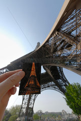 Eintrittsticket am Eingang zum Eiffelturm in Paris  Frankreich.