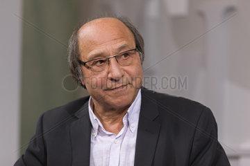 NIRUMAND  Bahman - Portrait of the writer