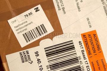 Nachnahme Paket (Schweiz) aus Deutschland.