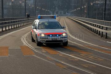 Die Polizei eilig unterwegs in Bern  Schweiz.