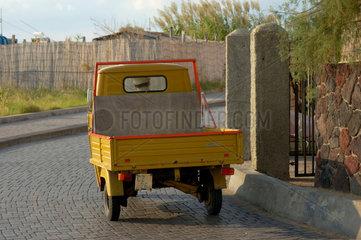 3 - Rad-Transporter auf Stromboli  Italien.